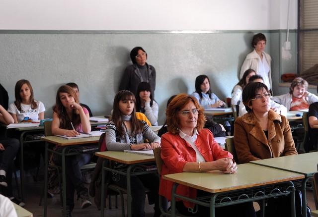 La consejera de Educación, María Victoria Broto, junto a la directora general de Política Educativa, Carmen Martínez. | S.E.