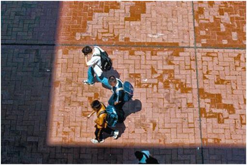 Unos alumnos del instituto Joan Fuster, en Barcelona. ELISENDA PONS