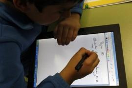 """Los padres exigen a la DGA que no haya un """"retroceso"""" del programa Escuela 2.0"""