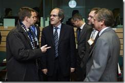 El ministro  Ángel Gabilondo, junto al consejero de Educación de Murcia, Constantino Sotoca,  y el representante permanente en la UE , Cristóbal González  Aller.
