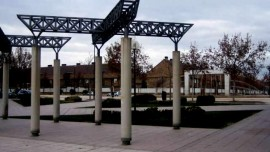 Miralbueno-Plaza-Lagos-Azules